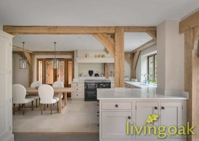 5 Living Oak Roundles Cottage Kitchen Large
